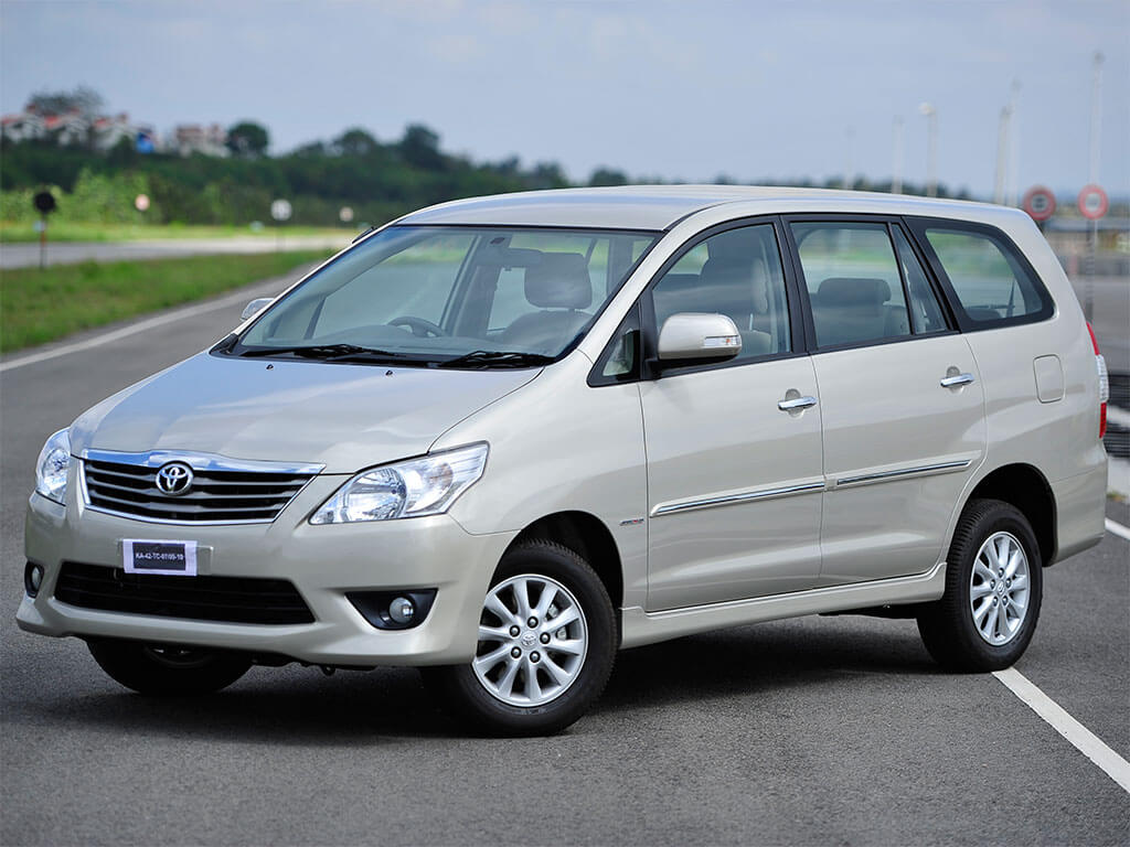 Innova Car Rental JAipur